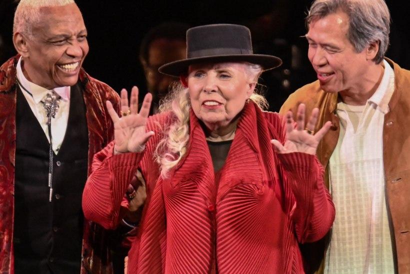 Staarid esitasid Joni Mitchelli 75. sünnipäeval tema hitte