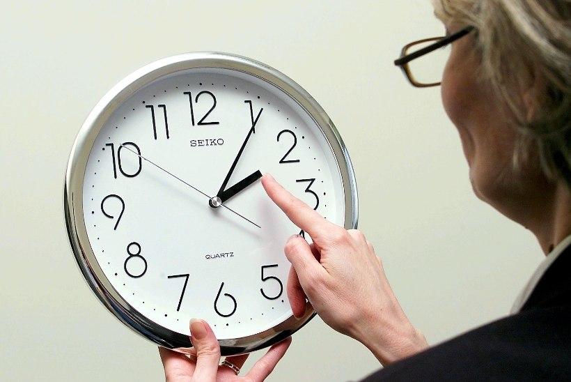 Küsitlus: eestlased eelistavad kellakeeramise lõpetamise korral pigem püsivat suveaega