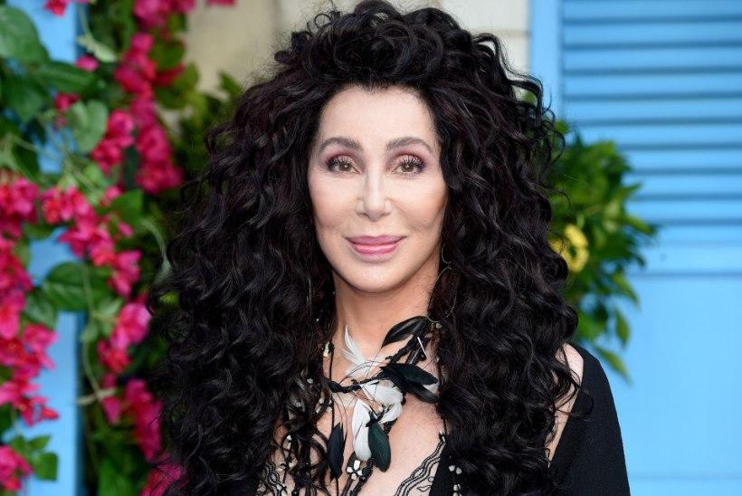 Iginoor Cher alustas mälestusteraamatu kirjutamist