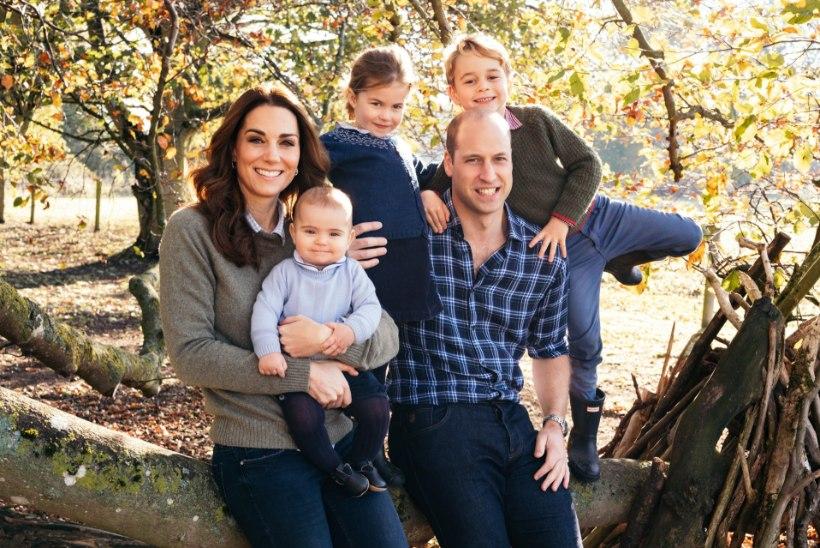 Prints William avaldas peatsete pühade puhul armsa pereportree