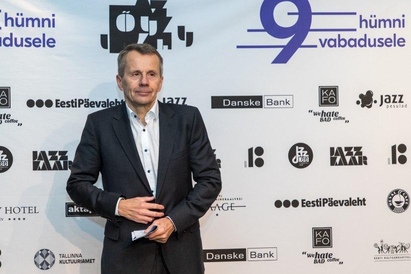 Jürgen Ligi jälgis kontserdi asemel nutitelefoni