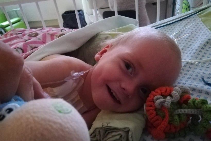 Kaasasündinud südamerikkega pisipoiss sai Lastefondi annetajate toel kodusele ravile