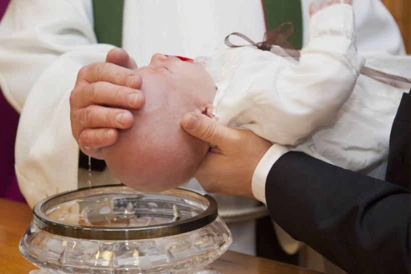 Repliik | Laste ristimine piirab nende usuvabadust