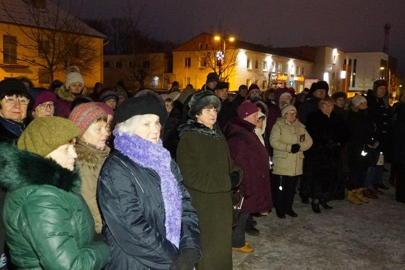 GALERII | Külmalinnas kuulutati välja üle-eestiline jõulurahu