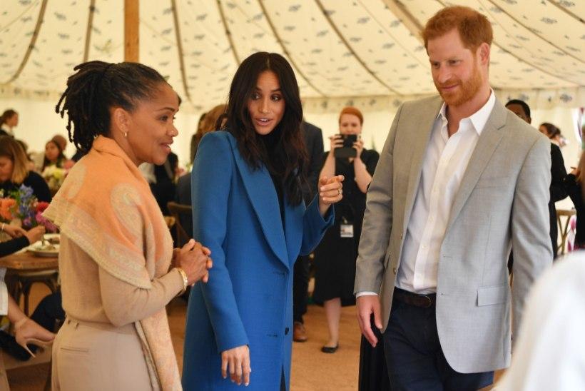Meghani ema pole kuninganna jõulupidustustele oodatud