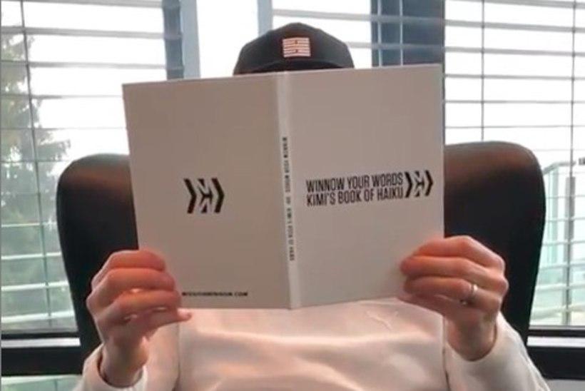 VIDEO | Maestro Räikkönen esitab fännidele enda kirjutatud haiku