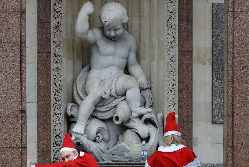 GALERII   Jõuluvanad panid jooksu!