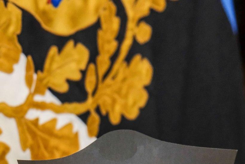 GALERII | Kadriorus esitleti president Ilvesele pühendatud postmarki