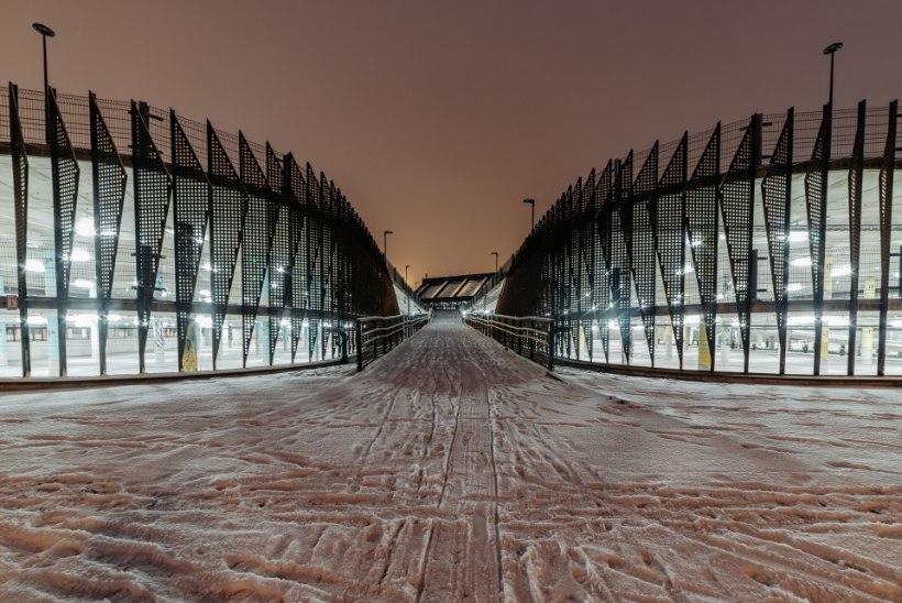 GALERII | Tallinna lennujaamas avatakse Eesti suurim parkimismaja