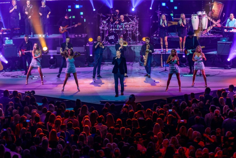 GALERII | VÄGEV ÜLLATUS! Ansambli 2 Quick Start suurkontserdi külalisesinejateks olid Nublu ja Sahlene