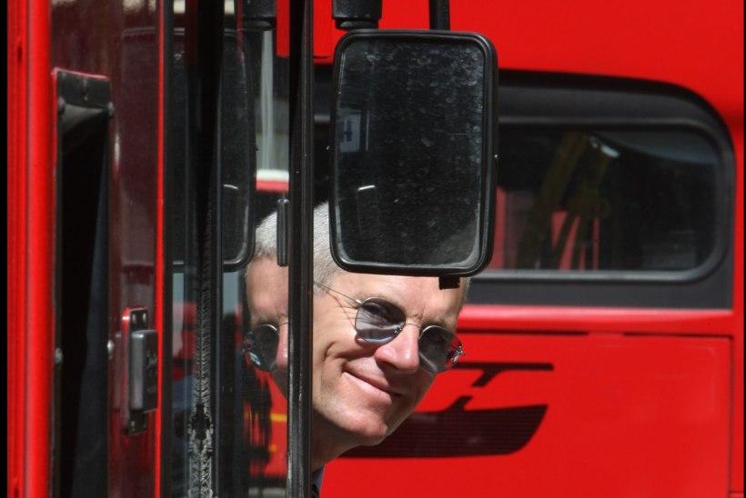 Aeglane teenindus ja nõme bussijuht: Londoni politsei aasta kõige tüütumad hädaabikõned