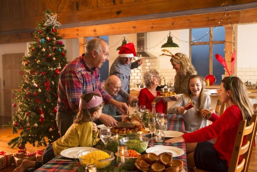 Igas peres oma kombed: vaata, kuidas Naisteleht jõule tähistab!