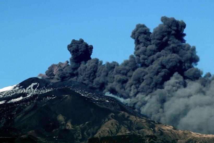 Vulkaan Etna purskas, lennuliiklus on häiritud