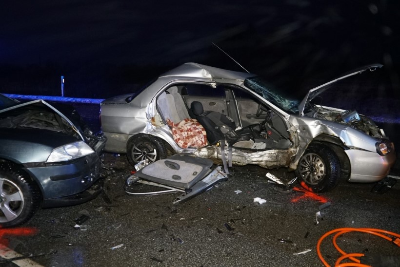 Ööpäev liikluses: joobes juhi sõidueksimuse tõttu kaotas elu kaasreisija