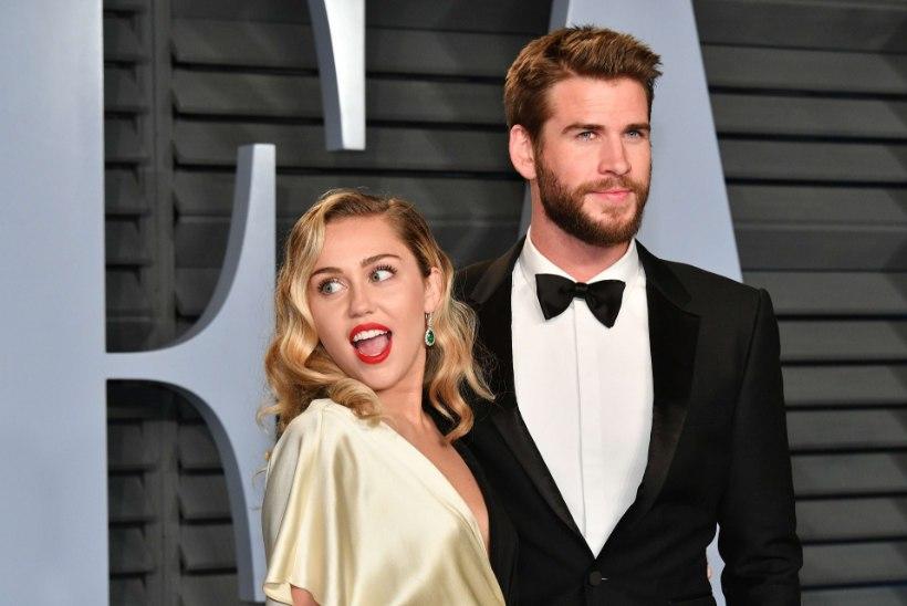 Lõpuks! Miley Cyrus ja Liam Hemsworth abiellusid jõuludel