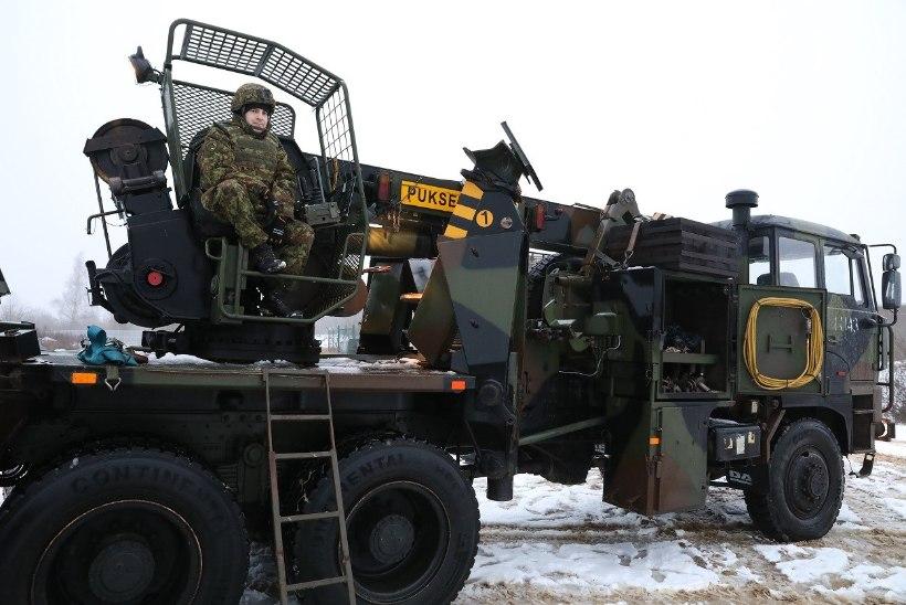 FOTOD | Avariipaigale sattunud kaitseväelane aitas sündmust lahendada