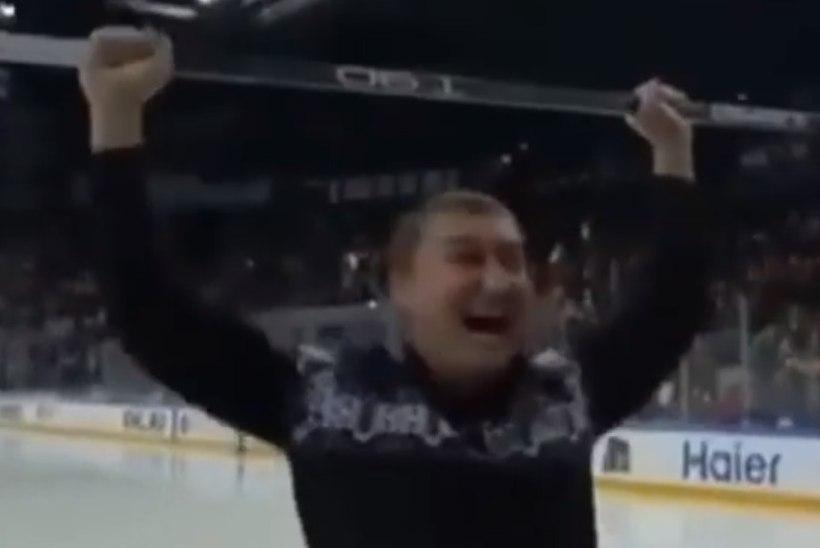 VIDEO   Täiesti uskumatu ning jabura viske sooritanud hokifänn võitis miljoni