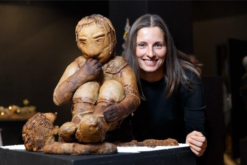 ÕL GALERII JA VIDEO | Piparkoogimaania näitus üllatab nii kolmemõõtmelise Kalevipoja, kiluvõileibade kui koduse raamaturiiuliga