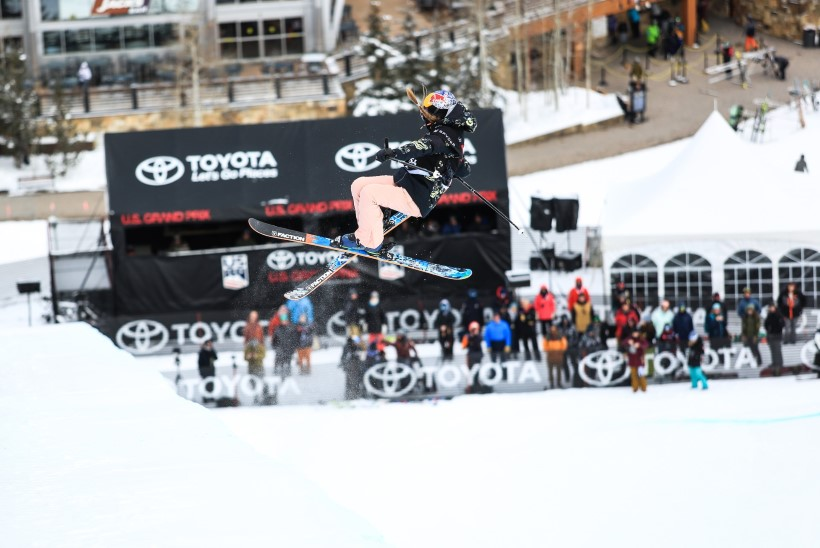 HURRAA! Kelly Sildaru võitis rennisõidu MK-etapi
