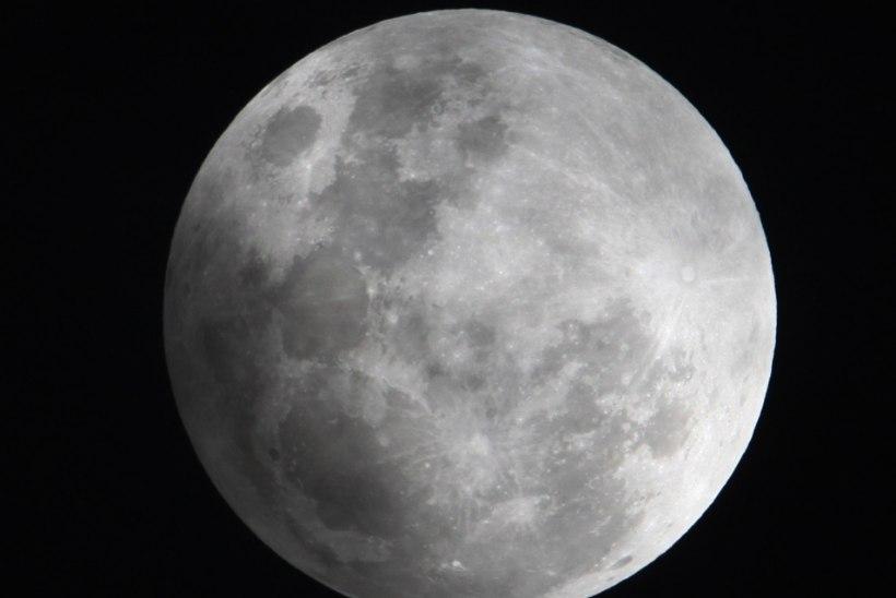 EDUKAS ALGUS: Hiina asub uurima Kuu varjukülge