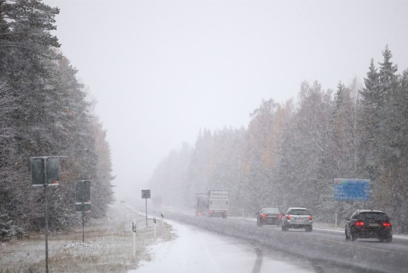Maanteeamet hoiatab: Lõuna-Eesti kõrvalteid tasub vältida