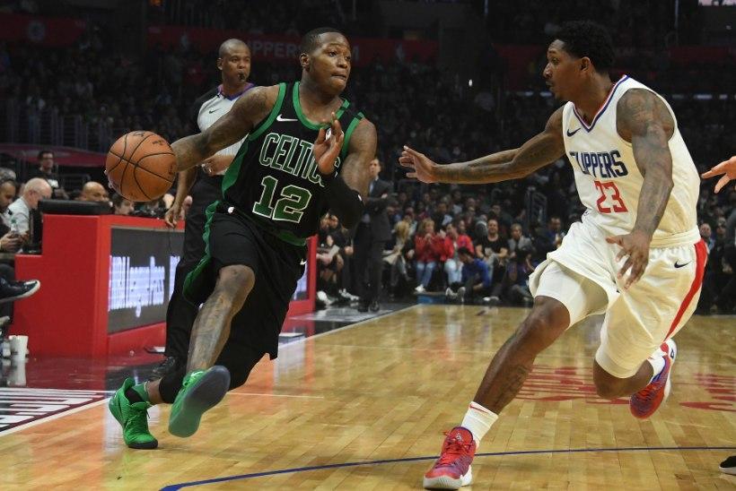 VIDEO | Celticsi nooruk haaras härjal sarvist, Portlandis nähti korvisadu