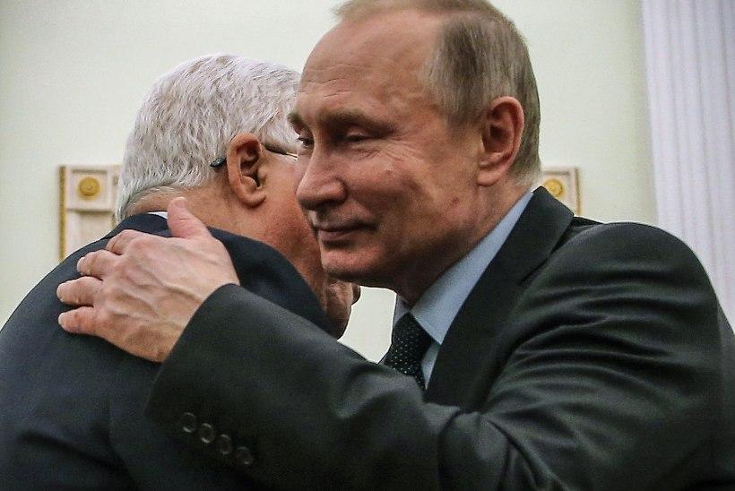 Putin haigestus, kuid keeldus tööpostilt lahkumast