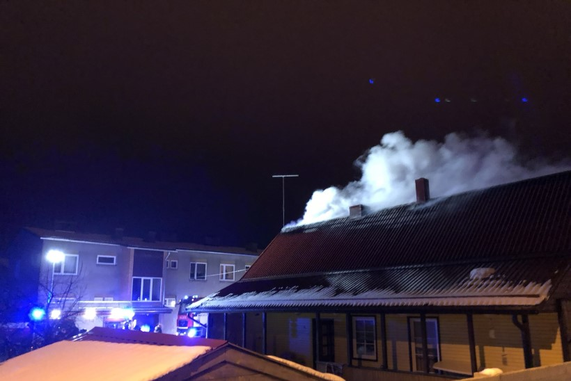 FOTOD | Raplas põles ühekorruseline eramaja
