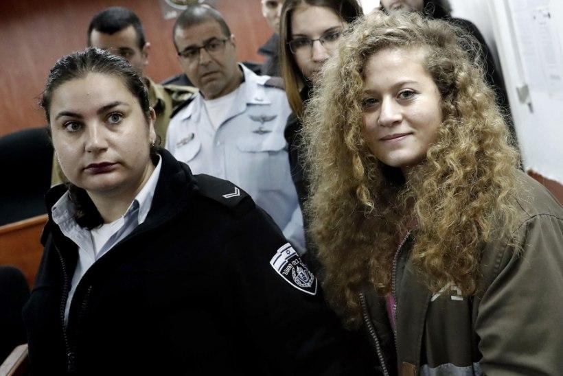 Algas kohus Iisraeli sõdurit löönud teismelise palestiinlanna üle