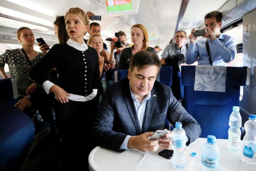 GALERII | Ukraina skandaalseimal naispoliitikul Tõmošenkol on uus stiil
