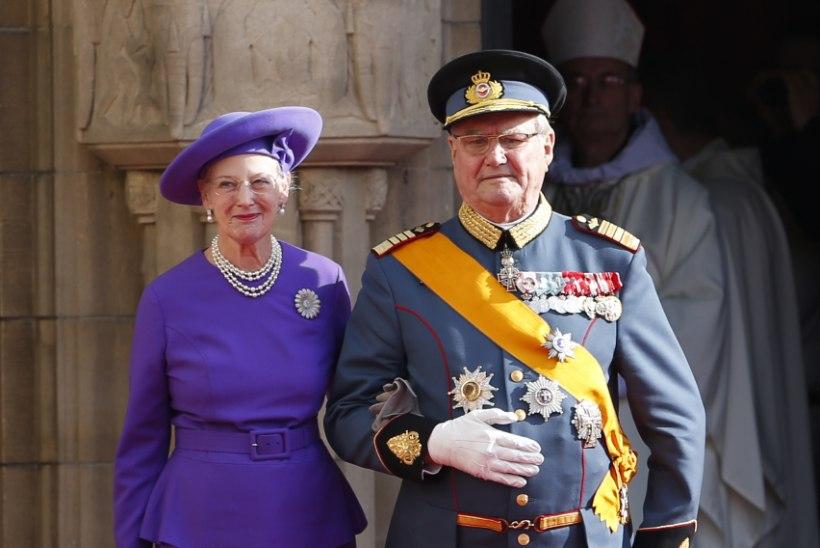 Suri Taani kuninganna abikaasa prints Henrik: ma ei taha, et mind kuninganna kõrvale maetaks