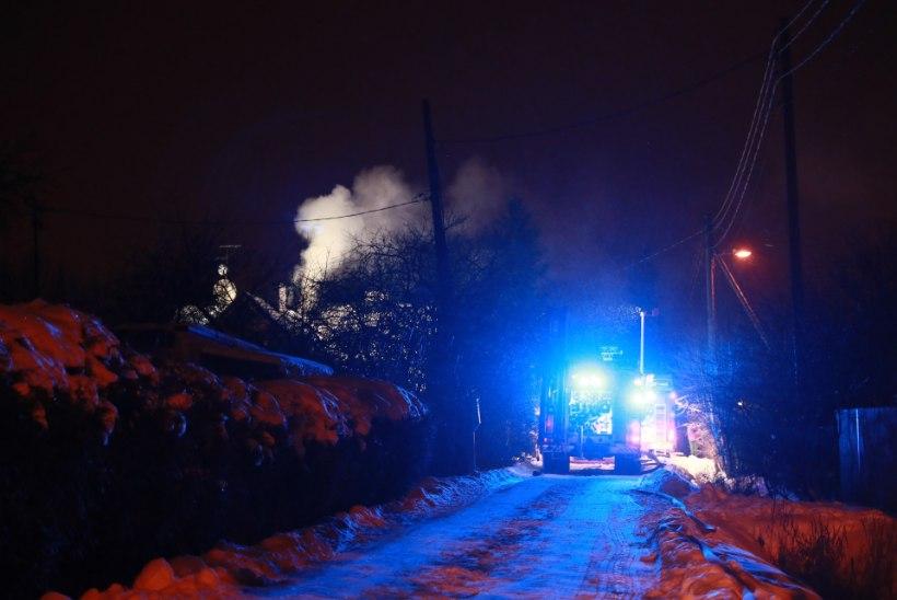 VIDEO JA FOTOD | Viimsi vallas põles elumaja, päästjad reageerisid suurte jõududega
