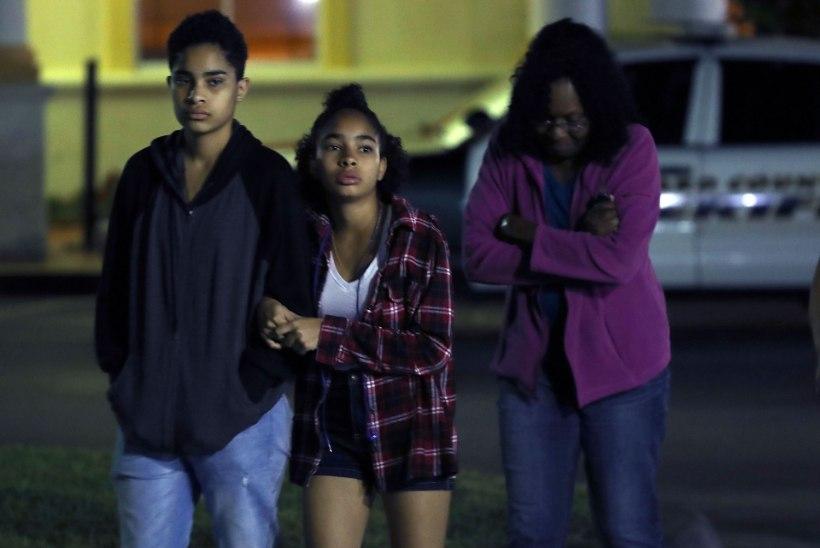 USA-s Florida keskkoolis toimus koolitulistamine, hukkus 17 inimest
