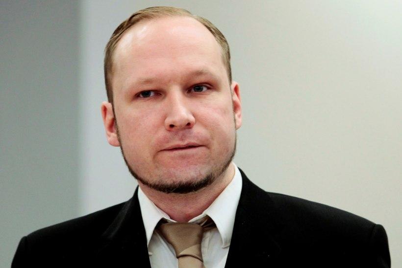 SIIRAS VÕI SIISKI MITTE? Massimõrvar Breivik kahetses 77 inimese tapmist