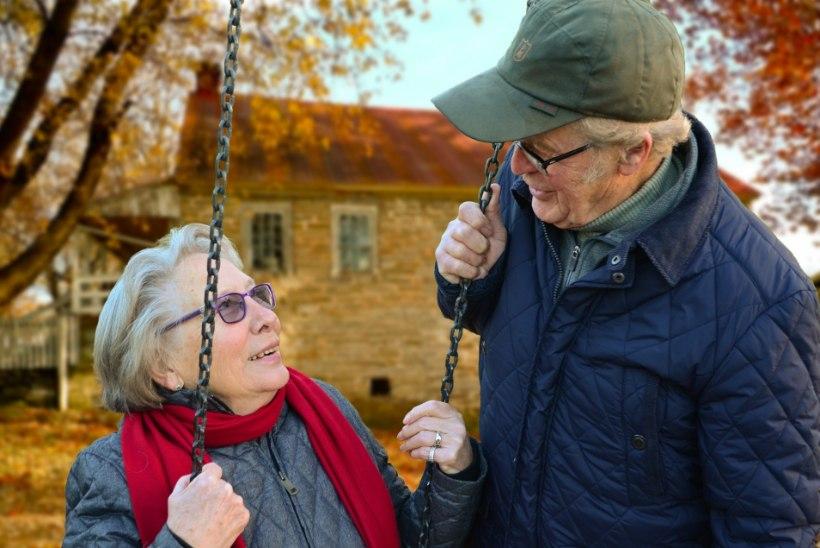 UURING PALJASTAB: enamik väga vanaks elavaid inimesi joovad, suitsetavad ning vaevlevad ülekaalu käes