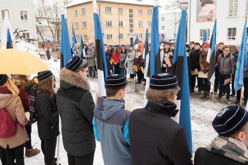 GALERII | Gümnasistid tähistasid Tartu rahu aastapäeva