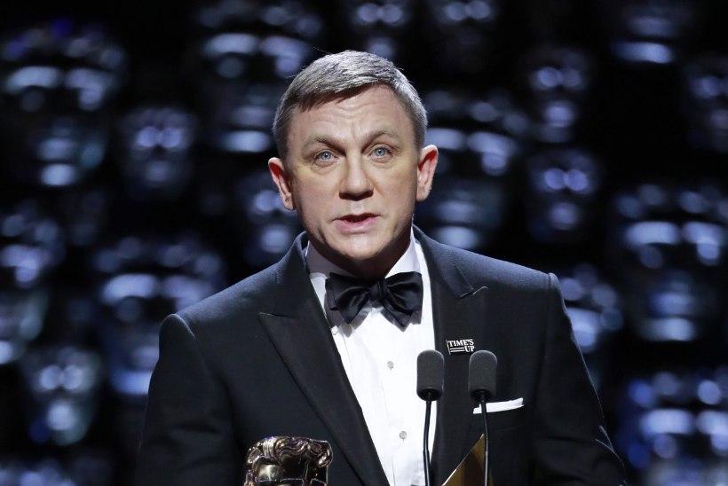 MIS JUHTUS? Daniel Craig nägi BAFTA-l väga vana ja väsinud välja