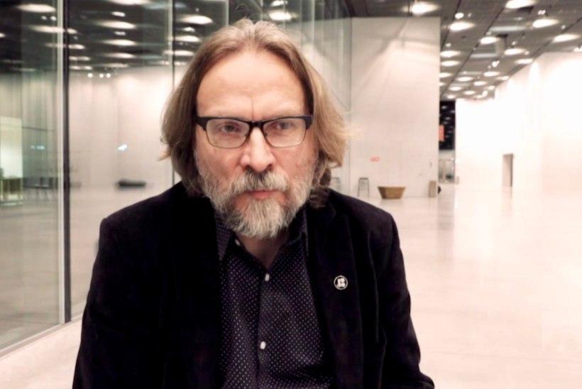 EV100 VIDEO | Margus Kasterpalu meenutab: et teha musta ja valge lipu kõrvale ka sinist, pidime värvima kangast pisikesel elektripliidil keedupotis