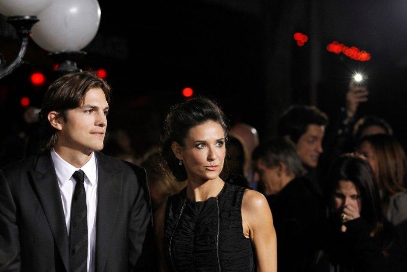Ashton Kutcher ei söönud pärast Demist lahutamist nädal aega ivakestki