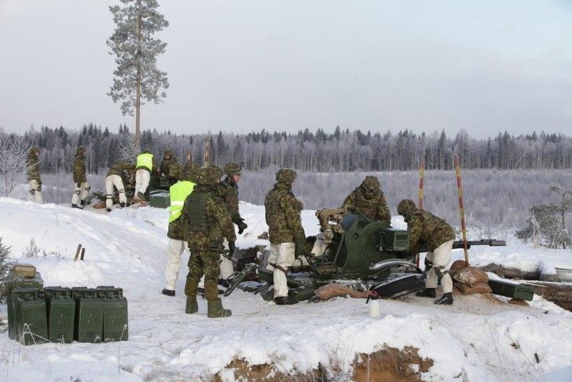 GALERII | Sadakond Eesti õhutõrjujat paugutasid tonnistest relvadest