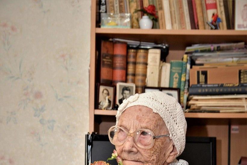 """100aastane Eduard: """"Soovitan kohukesi süüa, see on hea maitsega värk!"""""""