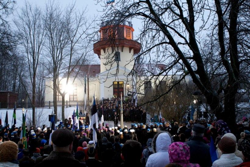 Eesti 100 sünnipäev Tartus: lipu austamisest raekoja kellamänguni