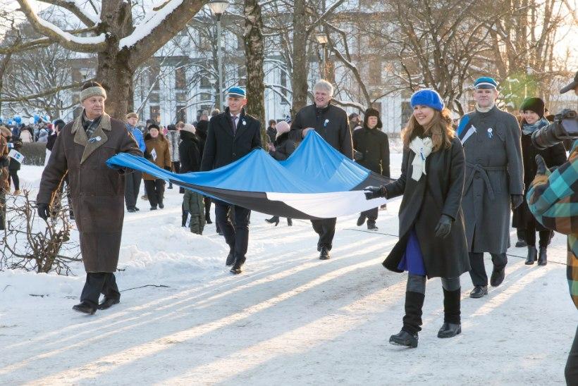GALERII | Rohkem ja kõrgemale! Tartu Rotary klubid heiskasid veetornile Eesti lipu