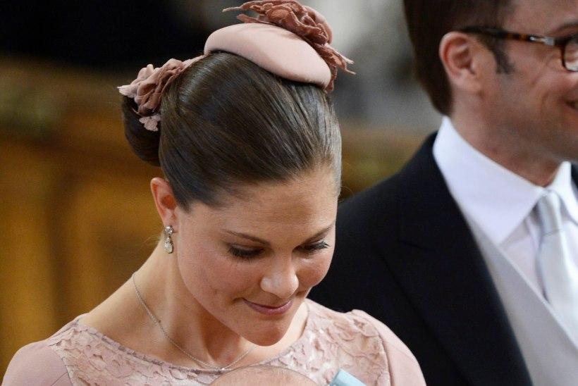 HIP-HIP-HURRAA! Tulevane Rootsi kuninganna Estelle sai 6aastaseks