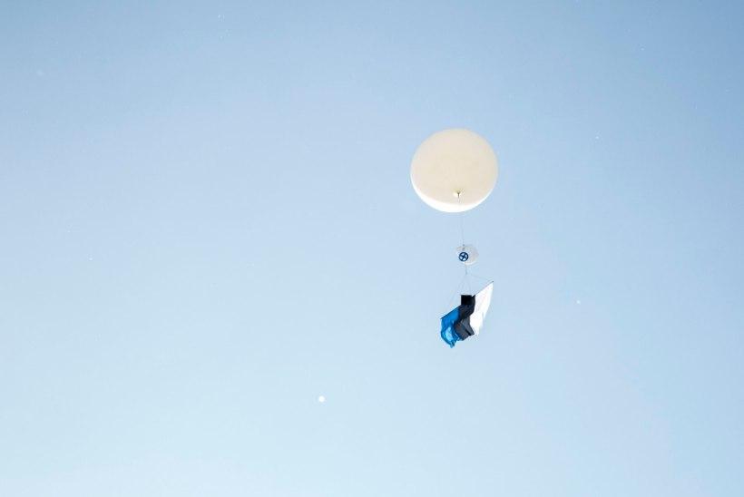 FOTOUUDIS   AHHAA heiskas kõrgeima Eesti lipu