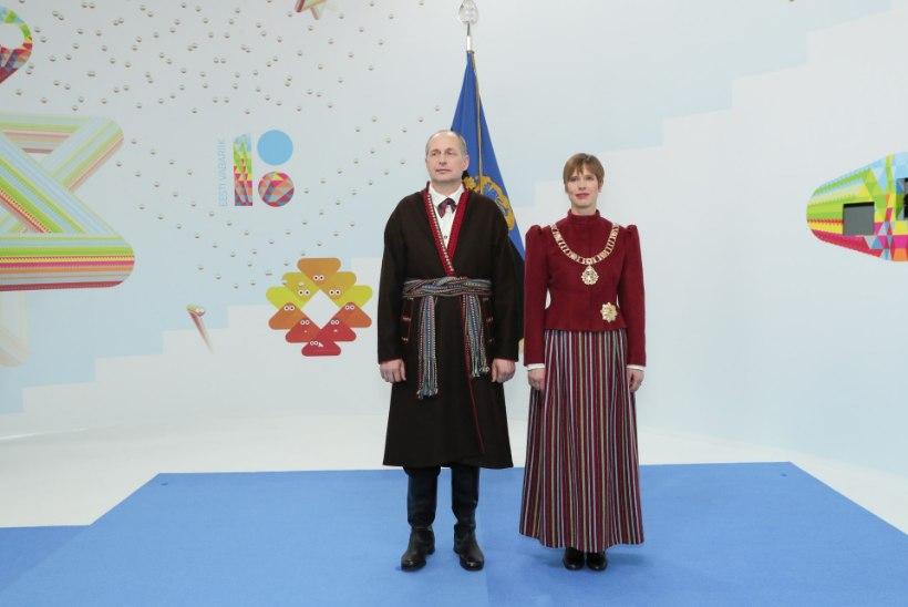 MOEEKSPERDID KIIDAVAD: presidendi kleit on hea ja turvaline valik