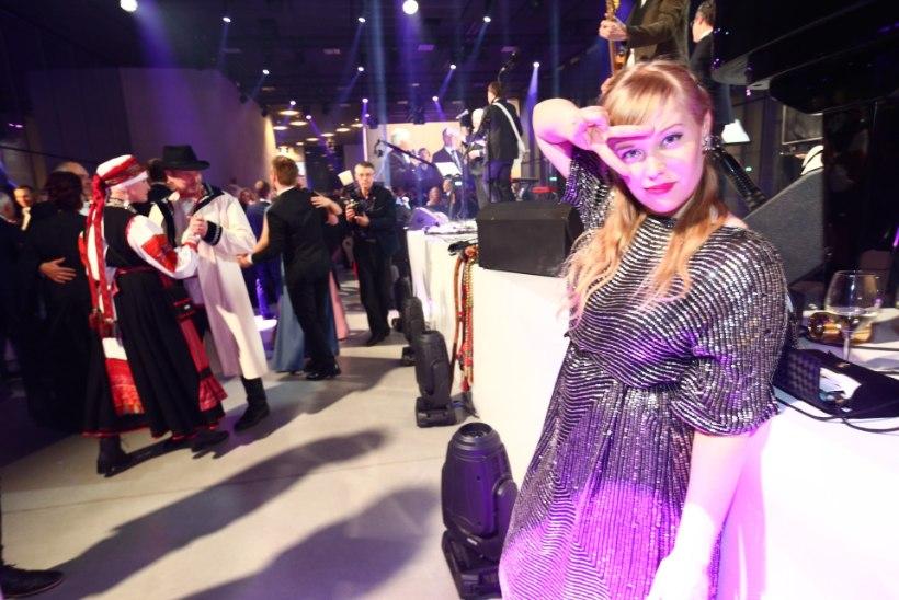 ÕL VIDEO   Vaata, kuidas vastuvõtukülalised Ivo Linna saatel tantsu vihuvad