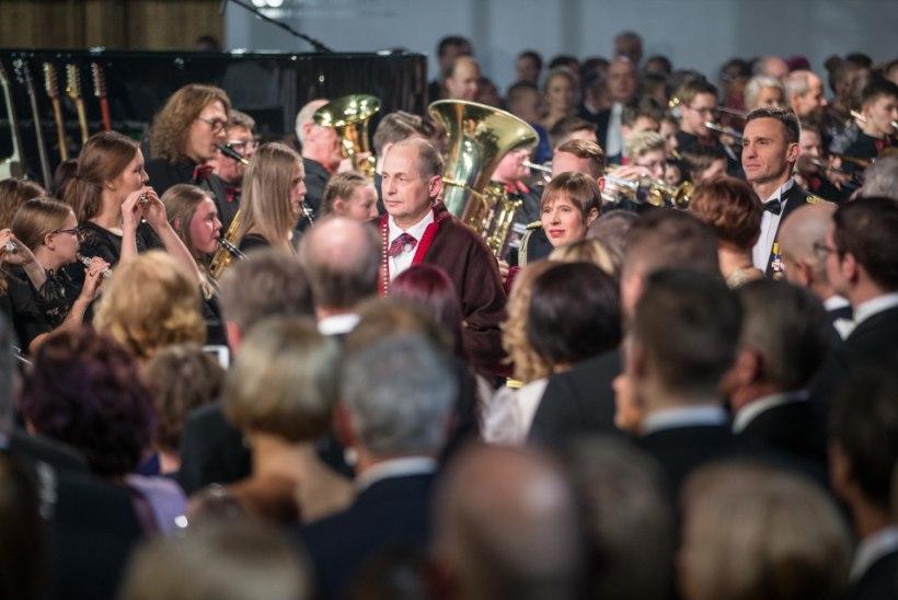 ÕHTU PRESIDENDI VASTUVÕTUL: suupisteks pakuti lambaaju ja Ivo Linna korraldas tantsusaalis maavärina!
