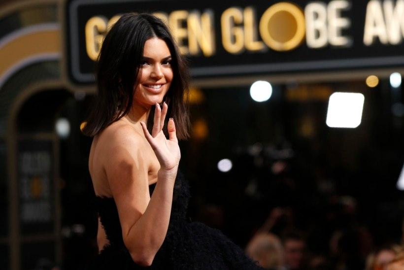 FOTOD | TOHOH! Teletäht Kendall Jenner heitis riided seljast