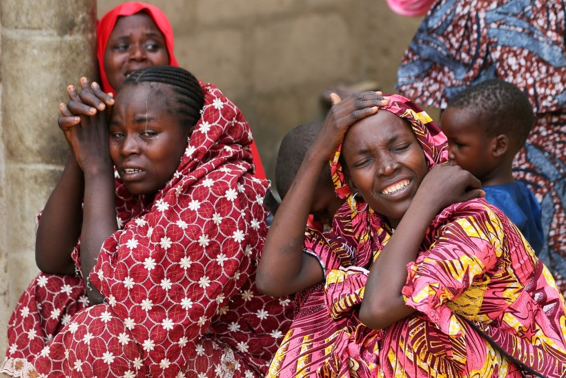 MEELEHEITEL LAPSEVANEMAD: 110 Nigeeria koolitüdrukut on röövitud
